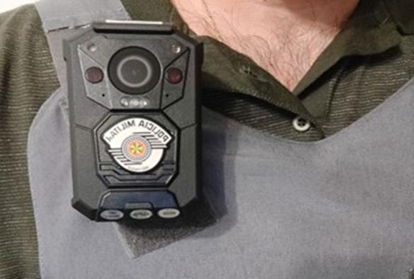 Instalação de câmeras em viaturas e fardas de policiais na BA começará neste ano