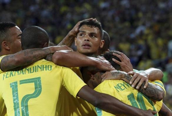 Copa: Brasil bate Sérvia, se classifica em 1° e pega o México nas oitavas