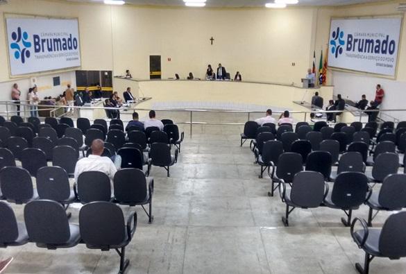 Câmara de Vereadores de Brumado aprova empréstimo de R$ 5 milhões para implantação de energia solar em prédios da rede municipal de ensino