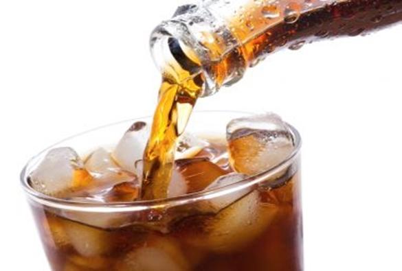 Projeto que proíbe venda de refrigerante em escolas é aprovado pela CCJ