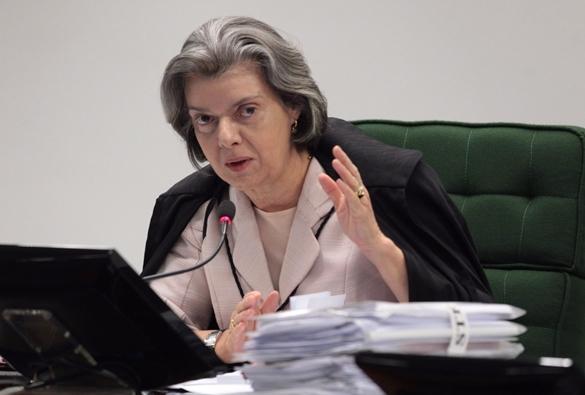 Cármen Lúcia diz que não 'há o que questionar' após Temer negar ter espionado Fachin