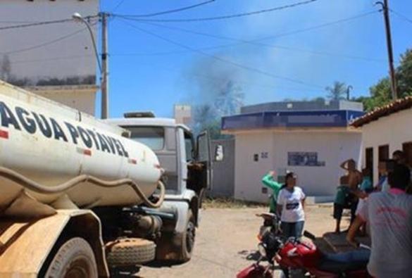 Dom Basílio: Queimada próximo a depósito de gás põe em risco moradores