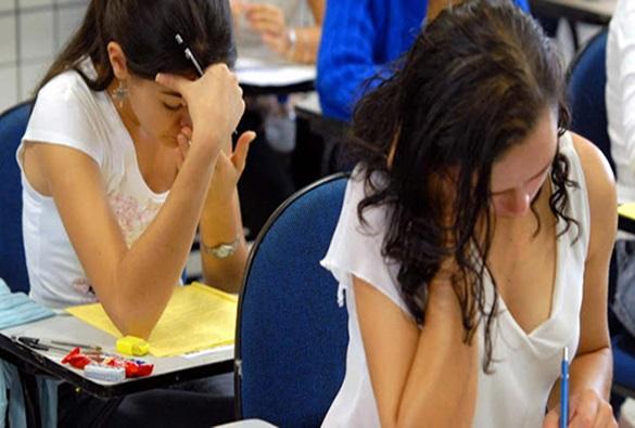 Enem 2019 tem mais de 395 mil inscritos na Bahia; a maioria são do sexo feminino