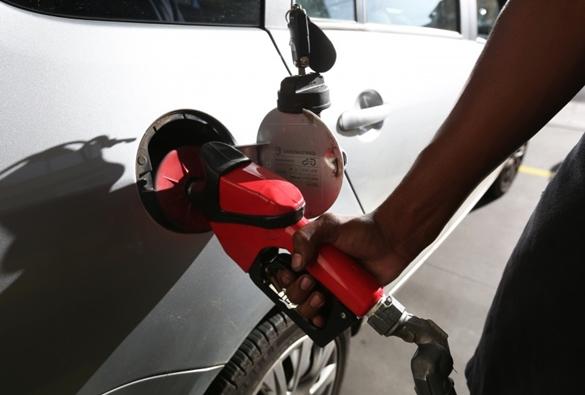 Petrobras reduz preço da gasolina em 2,3% e o do diesel, em 5,8%