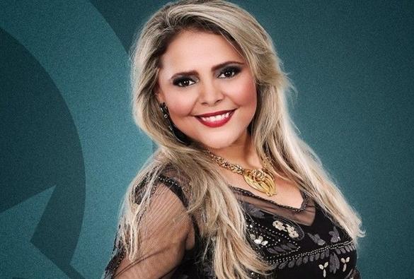 Cantora de Forró Eliza Clivia e o marido morrem em acidente de carro no Centro de Aracaju, diz produtor