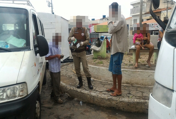 Livramento: Após denúncia anônima policia realiza blitz voltada para abordagem de Vans