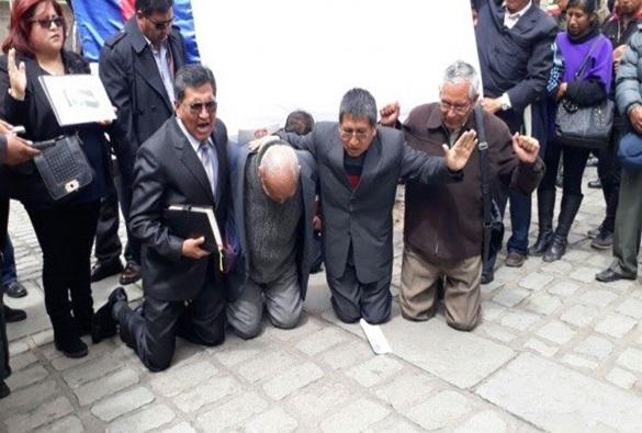 Novo Código Penal da Bolívia criminaliza conversões religiosas: penas vão de 7 a 12 anos de prisão