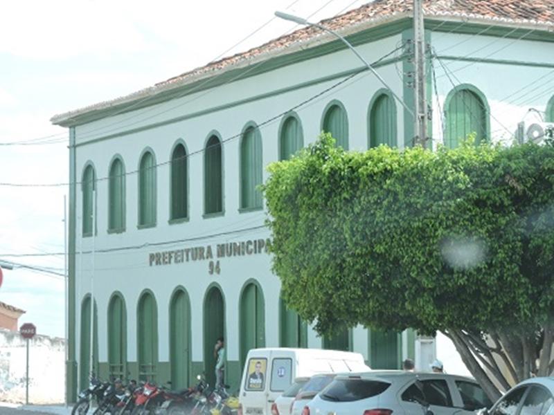 Livramento: Prefeitura extingue contratos temporários
