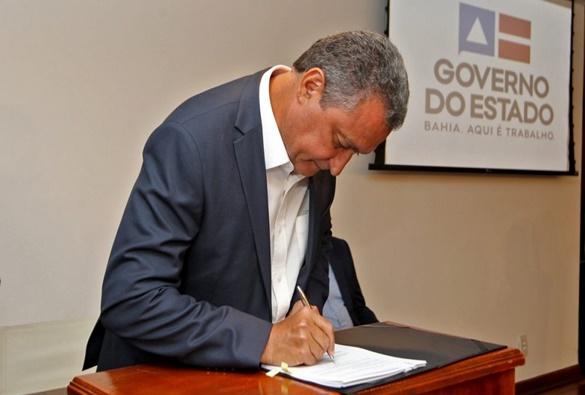 Governo da Bahia prorroga decreto que suspende shows e aulas nas redes pública e privada