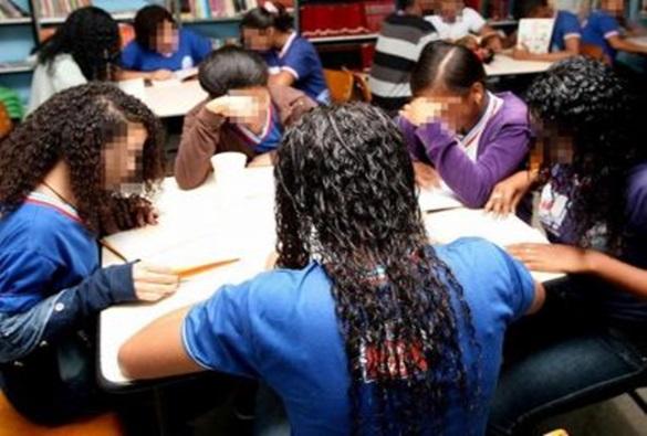 Ensino Médio mantém queda na Bahia e se afasta de meta estadual do Ideb