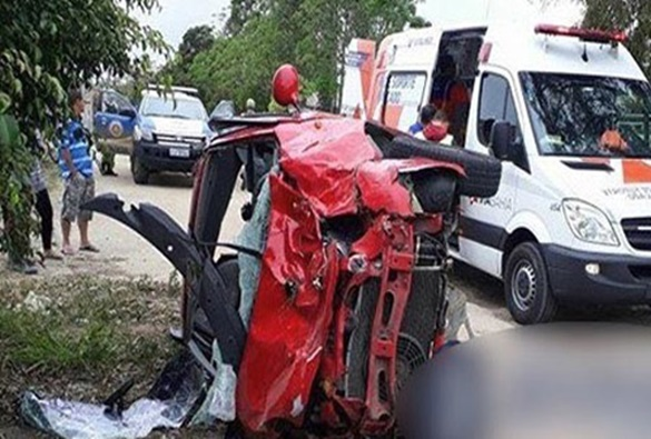 Motorista conquistense fica ferida em grave acidente na BR-116, em Planalto