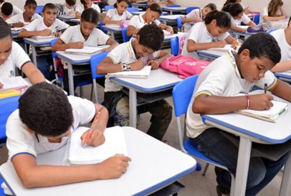 MEC cria programa para apoiar a implementação da Base Nacional Comum Curricular