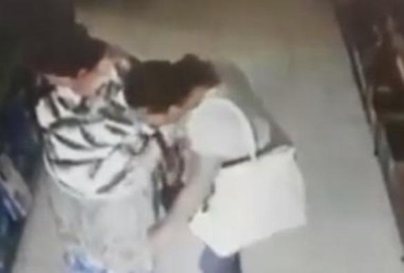 Barra da Estiva: Mulher é presa após furtar dinheiro de bolsa de idosa; vídeo flagra ação
