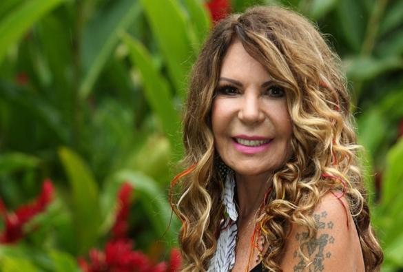 Elba Ramalho reclama da presença de sertanejos em festas juninas: