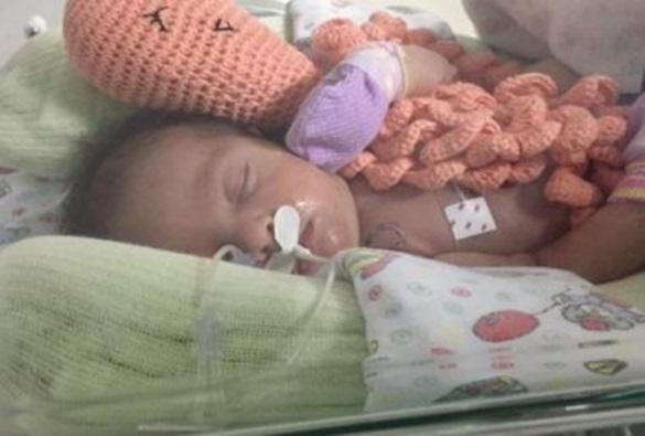 Bebê de quatro dias tem bexiga retirada por engano em hospital particular