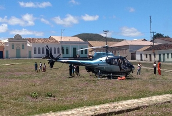 Helicóptero com brigadistas pousa em Rio de Contas para debelar incêndio