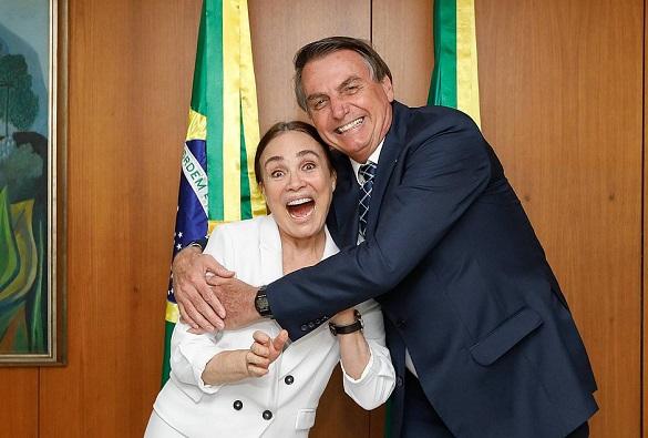 Regina Duarte deixa Secretaria de Cultura do governo