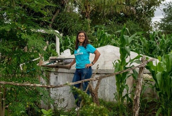 Estudante baiana desenvolve método utilizando luz solar para filtrar água e é premiada pela ONU