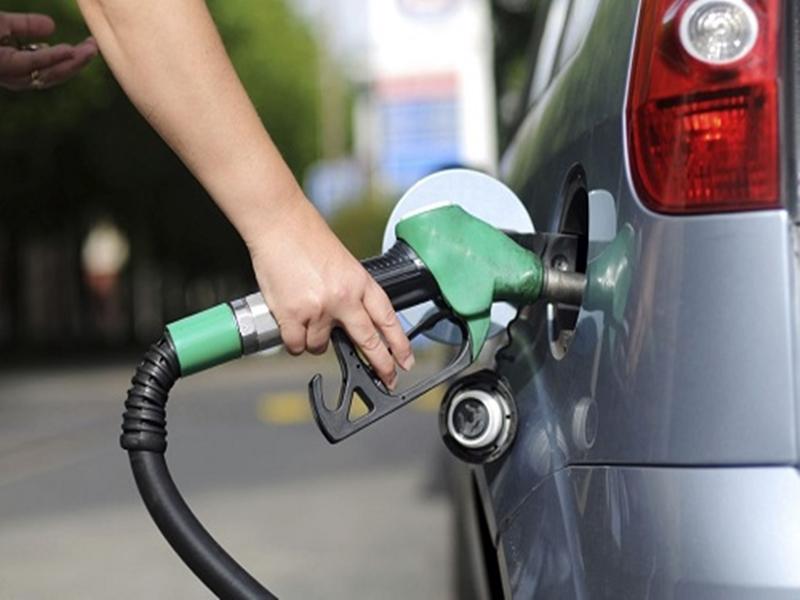 OAB decide entrar na Justiça contra aumento de impostos sobre combustíveis