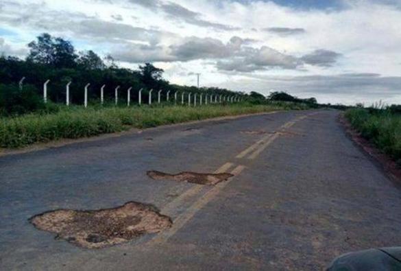 Situação de estrada entre Tanhaçu e Ituaçu causa transtornos e prejuízos a condutores