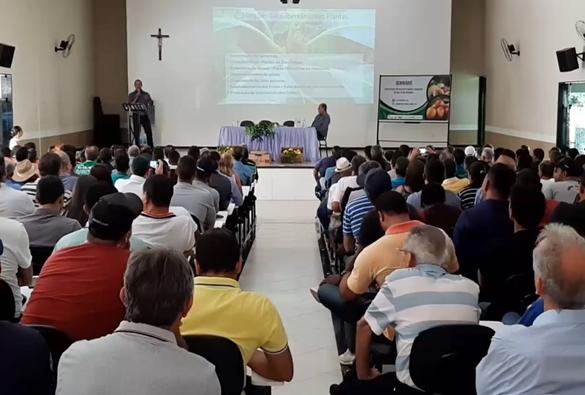 Livramento sedia Seminário Sobre Cultivo de Manga e Maracujá no Vale do Rio Brumado