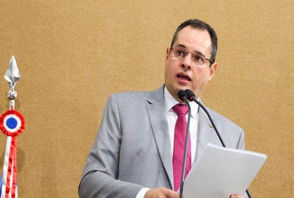 Deputado livramentense Nelson Leal será governador por seis dias