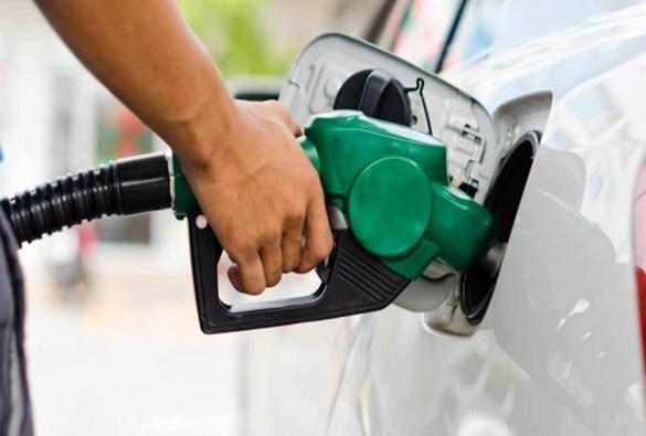 Petrobras anuncia nova redução do preço da gasolina e do diesel