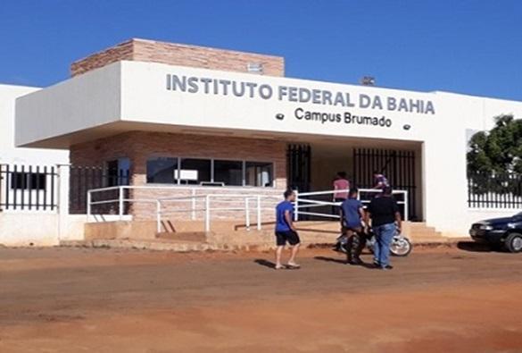 17 estudantes de Livramento, aprovados no IF-BA, em Brumado, aguardam liberação de ônibus por parte da Prefeitura Municipal