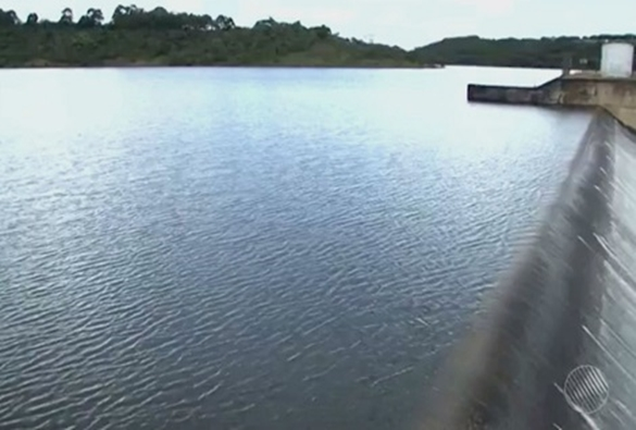 Governador anuncia fim do racionamento de água em Vitória da Conquista
