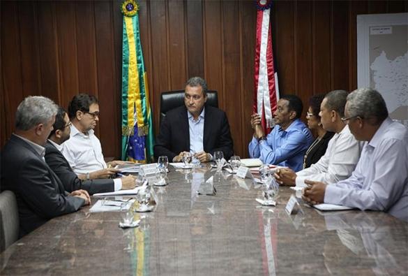 Governo anuncia concurso com 3,4 mil vagas para professores na Bahia