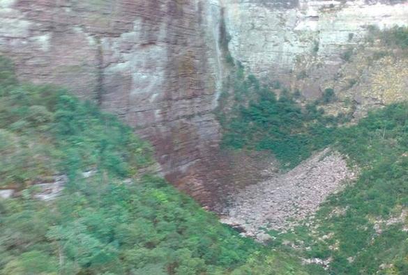 Turista francês de 72 anos morre ao cair da Cachoeira da Fumaça na Chapada Diamantina