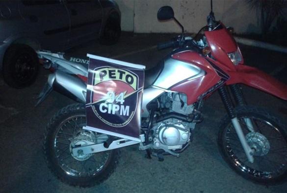 PM localiza moto roubada em Brumado na cidade de Caetité