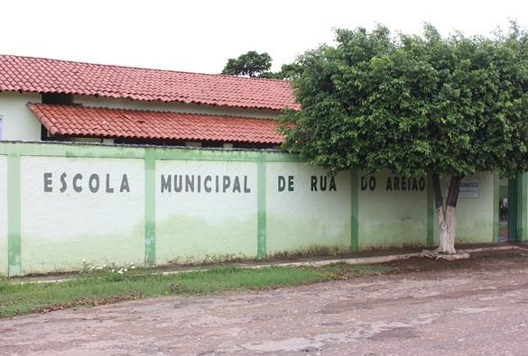 Comunidade da Rua do Areião se mobiliza contra fechamento da única escola da localidade